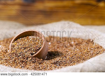 Brown Flax Seed In A Bag, Healthy Lifestyle, Agriculture, Whole Raw Dried Brown Flax Seeds, Diet Pro