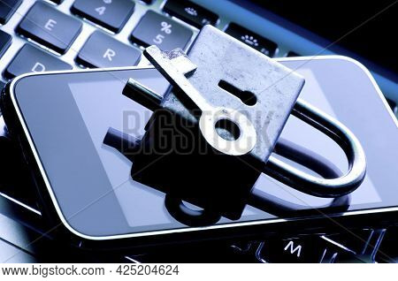 Internet Security. Identity Theft, Stealing Sensitive Data, Network Security And Digital Banking Sec