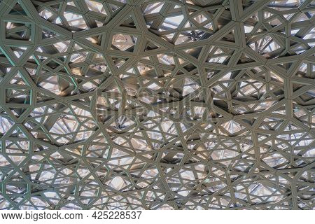 The Engineering Masterprise Behind The Louvre Museum Abu Dhabi's Intricate Geometric Dome Structure.