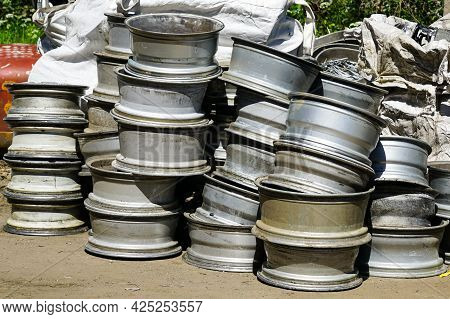 Used Alloy Car Wheels At A Scrap Metal Purchasing Company