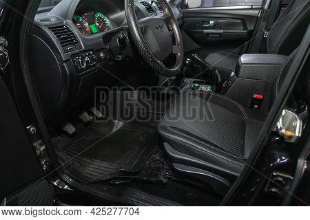 Novosibirsk, Russia - June 29, 2021: Uaz Patriot, Car Interior - Steering Wheel, Shift Lever And Das