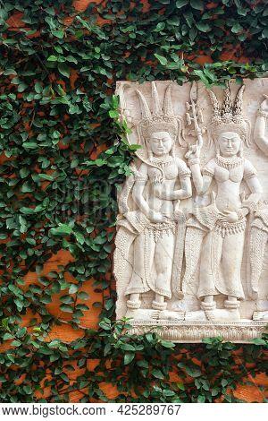 Apsara Craft Statue Mimics Angkor's Ancient Art To Decorate The Garden.