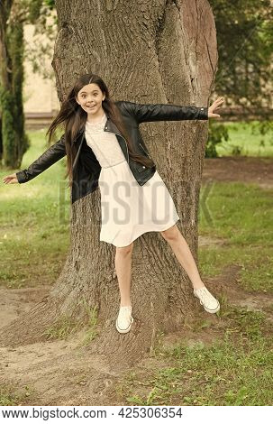 Hipster Girl Relaxing Park Tree Trunk Crust Background, Having Fun Concept