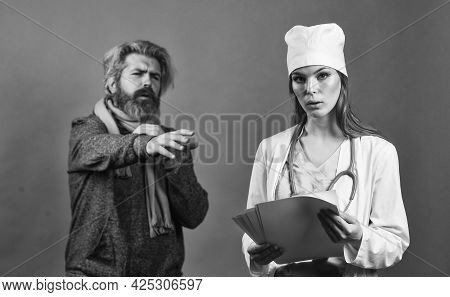 Prescribe Medicines. Medical Worker Examining Patient. Patient Care. Diagnostics. Nurse Visiting Unh