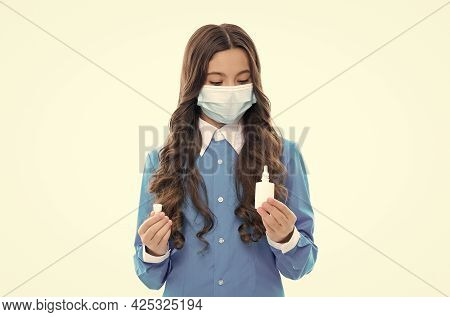 First Symptoms Of Virus. Kid Treat Runny Nose With Nasal Spray. Free Your Stuffy Nose. No Addiction