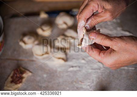 Sculpt Dumplings With Your Hands.sculpt Dumplings With Your Hands