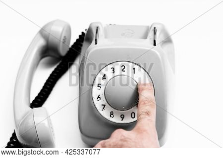 Dialing A Rotary Dial Phone Number.dialing A Rotary Dial Phone Number
