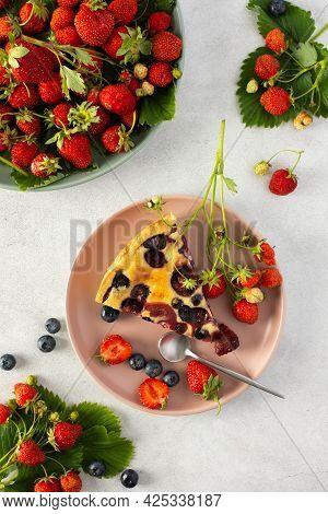 Strawberry Blueberry Pie