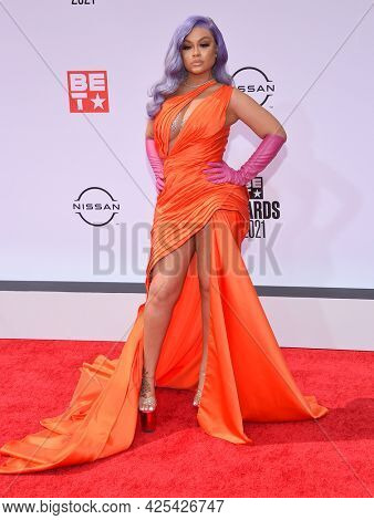 LOS ANGELES - JUN 27:  Latto {Object} arrives for the 2021 BET Awards on June 27, 2021 in Los Angeles, CA