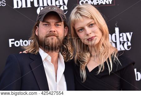 LOS ANGELES - JUN 16: Jake Weary and Vera Bulder arrives for 'The Birthday Cake' Premiere on June 16, 2021 in Los Angeles, CA