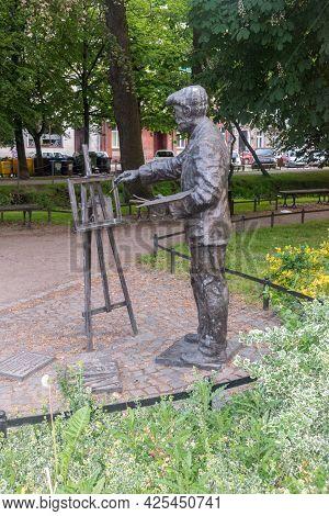 Gorzow Wielkopolski, Poland - June 1, 2021: Monument Of Ernst Henseler. Ernst Henseler Was A German