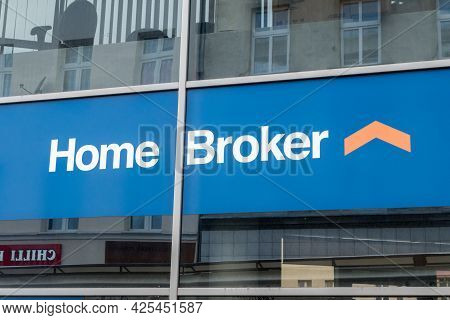 Gorzow Wielkopolski, Poland - June 1, 2021: Home Broker Logo And Sign. Intermediary On The Polish Re