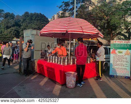 Kolhapur, Maharashtra, India- December 5th 2020; Stock Photo Of Indian Street Vendor Selling Freshly