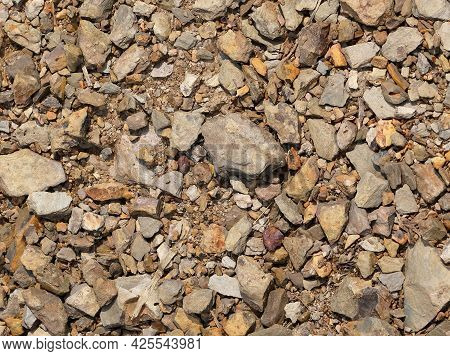 Gravel Ground Cover. Decorative Chippings Ideal For Drives, Paths Garden Features, Ground Cover And