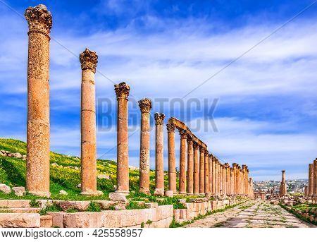 Jerash, Jordan - Columns In Ancient Roman City Of Gerasa, Modern Jerash In Middle Eastern