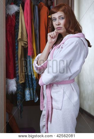 woman can not choose what to wear