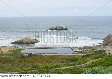 San Francisco,ca,usa - April 28, 2018 : Unidentified People Sightseeing At The Historical Sutro Bath