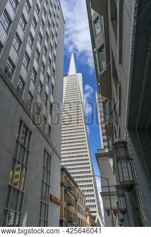 San Francisco,california, Usa - April 17, 2018 : View Of The Transamerica Pyramid Building In San Fr