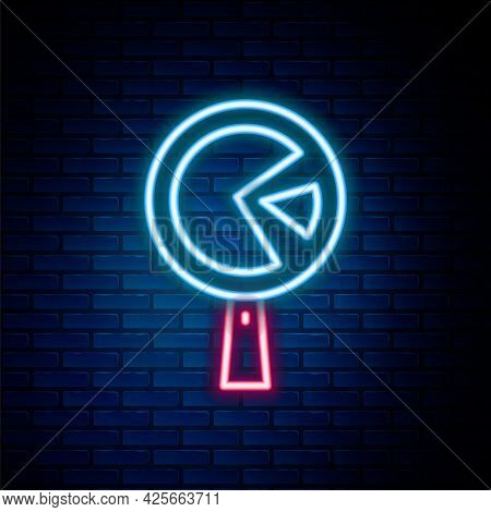 Glowing Neon Line Omelette In Frying Pan Icon Isolated On Brick Wall Background. Omelet In A Skillet