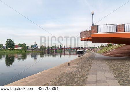 Gorzow Wielkopolski, Poland - June 1, 2021: Morning View On Warta River And Warta Boulevards In Gorz