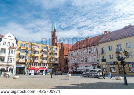 Swiebodzin, Poland - June 1, 2021: Market Square In Old Town Of Swiebodzin.