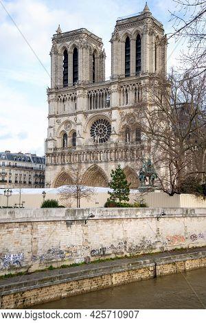 Paris, France, 22 December 2019 - View On Notre-dame De Paris Cathedral From Seine Embankment