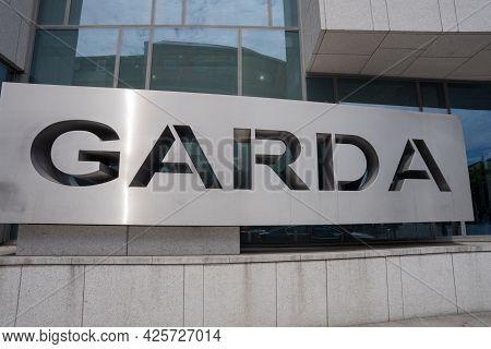 Dublin City, Dublin, Ireland, June 28th 2021. Garda Sign At The Front Of Kevin Street Garda Station
