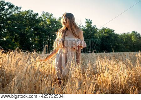 Nature Mental Health Benefits. Connection To Nature, Time Outside, Outdoor Day Off. Nature Deficit D