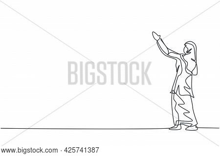 Single Continuous Line Drawing Of Young Beauty Arabian Worker Lifting Hands Up To The Sky. Professio