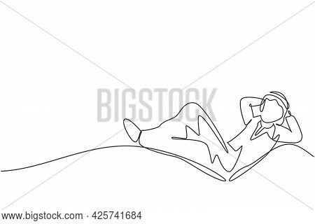 Single One Line Drawing Young Arab Male Investor Entrepreneur Sleeping Relax To Dream His Investment