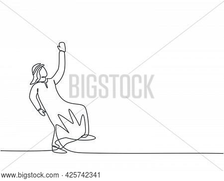 Single One Line Drawing Of Young Arabian Business Man Swinging On The Sky To Reach Up His Goals. Bus