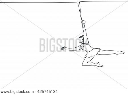 Single One Line Drawing A Female Acrobat Appears On The Trapeze With One Hand Hanging. It Takes Cour