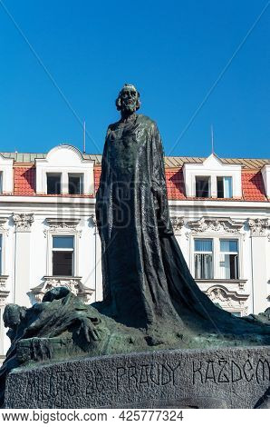 Monument To Jan Hus (1372-1415), Czech Theologian And Philosopher. Old Town Square In Prague, Czech