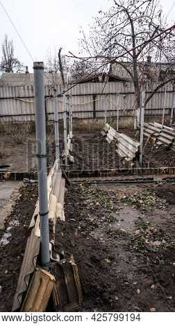 Shelter For Grapes In The Winter In The Home Garden.