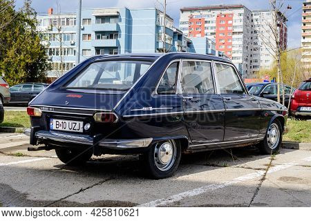 Bucharest, Romania, 19 March 2021 Old Retro Dark Blue French Renault 16 Tl Classic Car Parked In A S