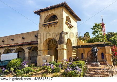 San Diego, Ca - March 23, 2014: Statue Of Soldier  In Old Town, Honoring The Mormons Soldiers Who Fo