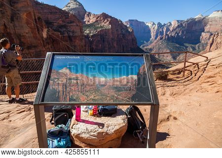 Zion National Park, Utah / Usa - November 7, 2014:  A Metal Sign With A Picture That Identifies The