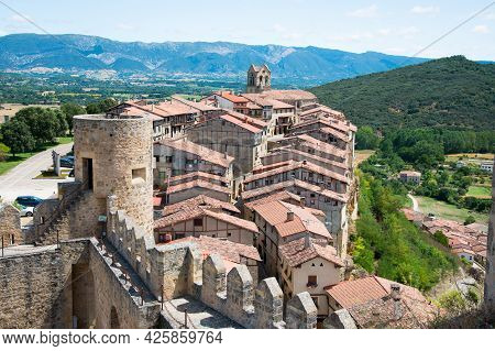 Castle Towerat Frias And Battlements, With The Village And Mountains In The Background. Frias, Burgo