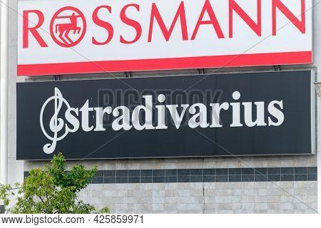 Gorzow Wielkopolski, Poland - June 1, 2021: Logo And Sign Of Stradivarius. Stradivarius Is An Intern
