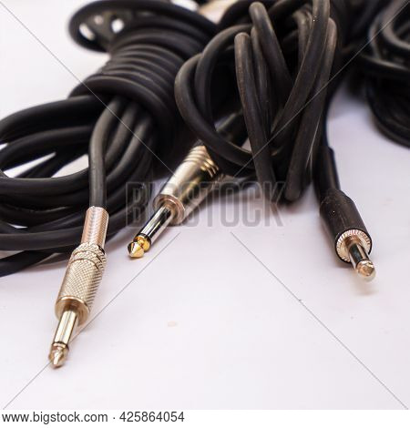 Audio Cables For Musical Instruments And Microphones