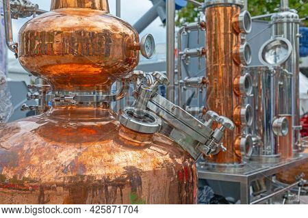 Copper Still Equipment For Alcohol Distillery In Brewery