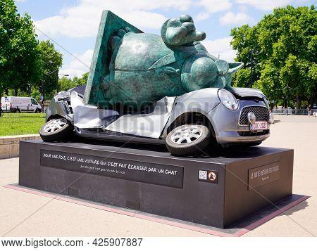 Bordeaux , Aquitaine France  - 06 20 2021 : Exhibition Le Chat Deambule The Cat Walks With Car Gets