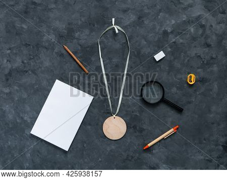 Blank Engraved Wooden Medal Mockup With Notebook Stationery, E-learning Education, Office Tools On D