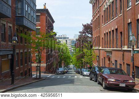 Boston - May 16, 2018: Historic Buildings On Irving Street At Myrtle Street On Beacon Hill, Boston,