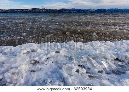 Shore Ice Lage Laberge Freeze-up Yukon Canada