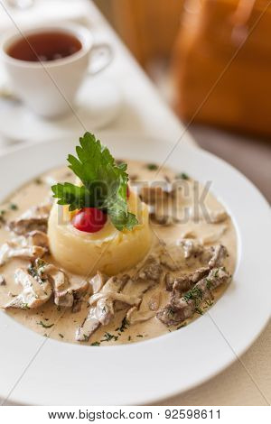 Fricassee Of Veal In A Mild Cream Sauce