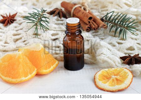 Natural aromatherapy. Citrus orange scent, cinnamon,anise, pine scent.