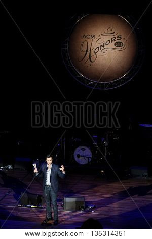 NASHVILLE, TN-SEP 1: Luke Bryan accepts the Gene Weed Achievement award during the 9th Annual ACM Honors at the Ryman Auditorium on September 1, 2015 in Nashville, Tennessee.