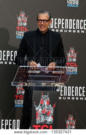 LOS ANGELES - JUN 20:  Jeff Goldblum at the Roland Emmerich Hand And Footprint Ceremony at the TCL Chinese Theater IMAX on June 20, 2016 in Los Angeles, CA