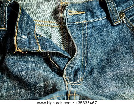 a blue jeans in worker style .